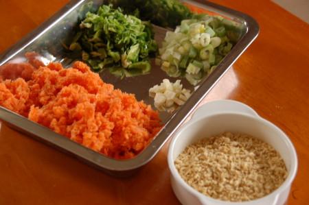 ニンジン搾りかすの炒飯の材料