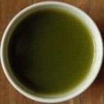1杯の国産青汁で、朝から腹具合すっきり
