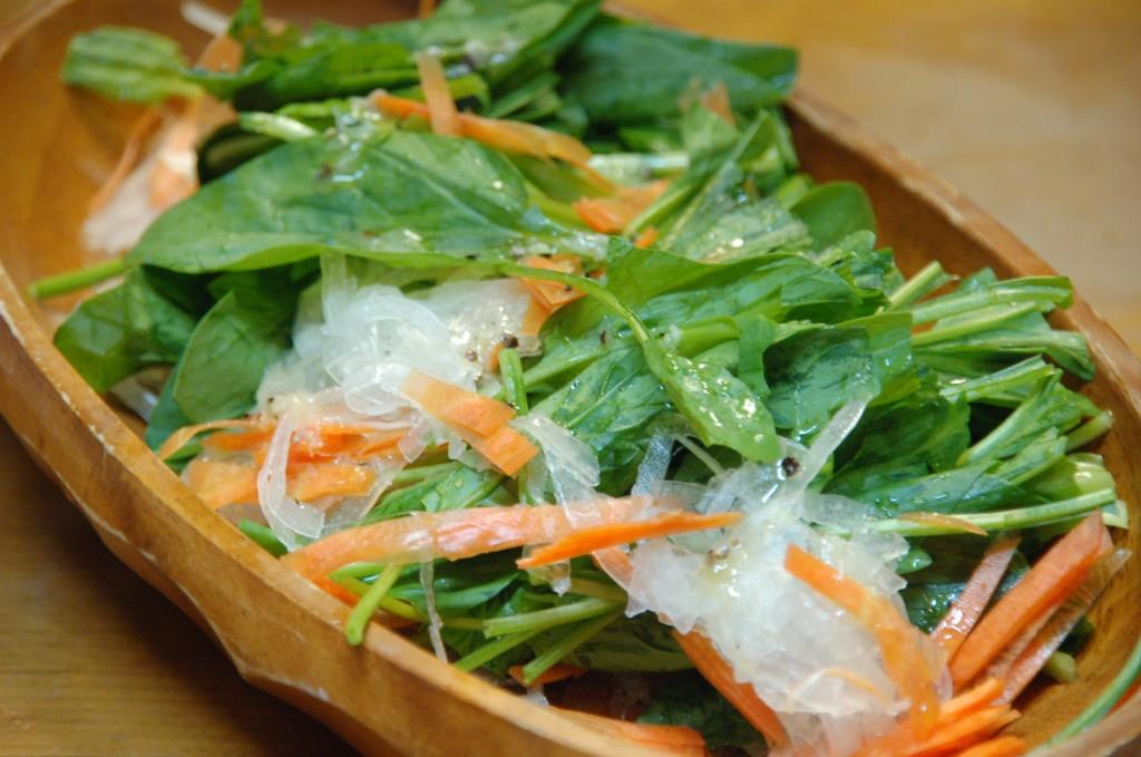 Oisixの野菜でつくったサラダ