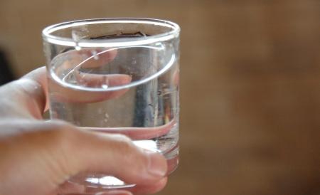 ガラスの水
