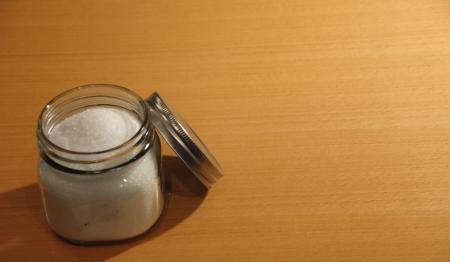 ガラス瓶入りのエプソムソルト