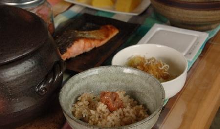 玄米を中心とした食卓