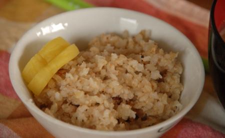 玄米とたくあん